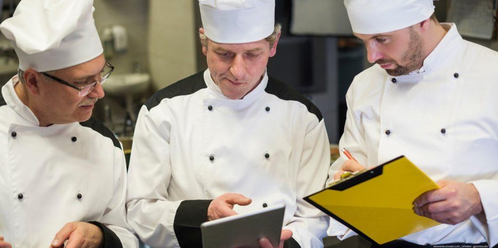 In diesem Beitrag erfahren Sie, wann eine Unternehmensberatung Gastronomie Sinn ergibt.