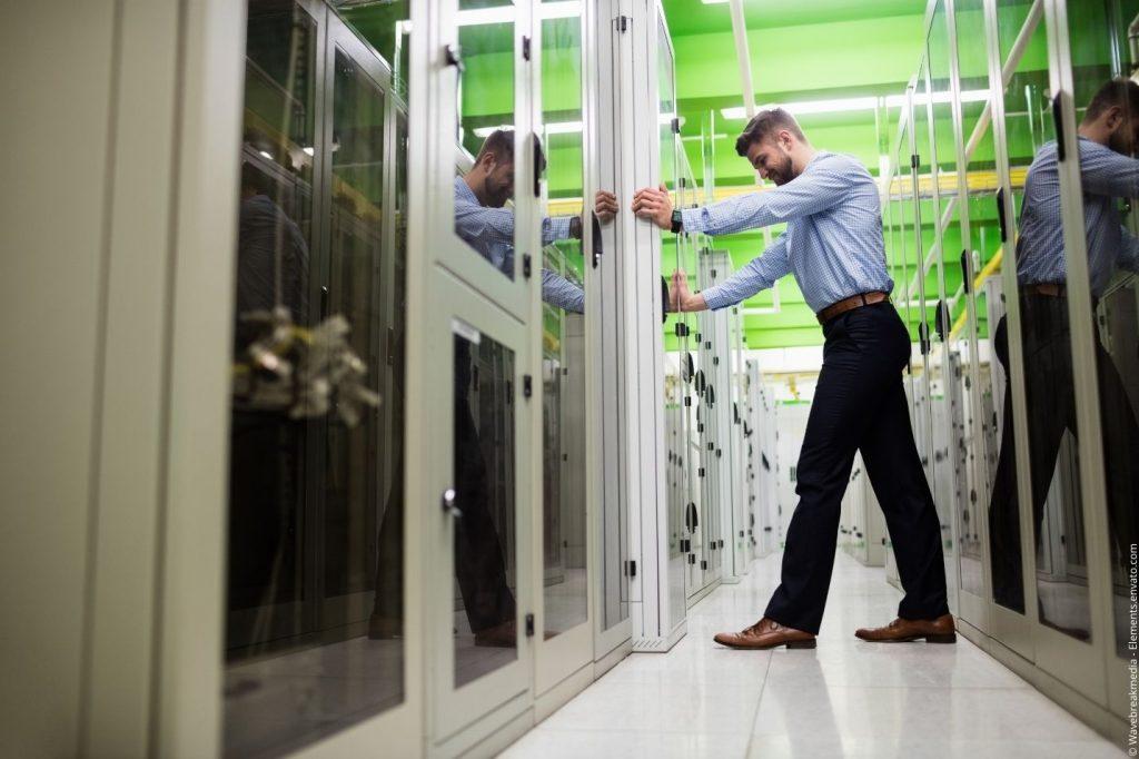 Serverschrank selbst bauen - ist das sinnvoll?